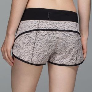 Lululemon speed shorts Dottie dash sz 6